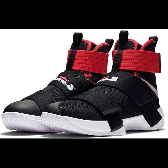 Nike lebron soldier ten sneakers